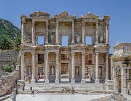 Fassade der Celsus Bibliothek Ephesos