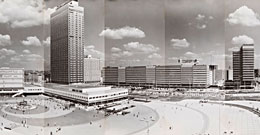 [Heinz Lieber, Panorama Alexanderplatz, Fotografie, 1972, © Rechtsnachfolger Heinz Lieber, Repro: Kai-Annett Becker]